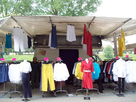 Banco 156 - Abbigliamento